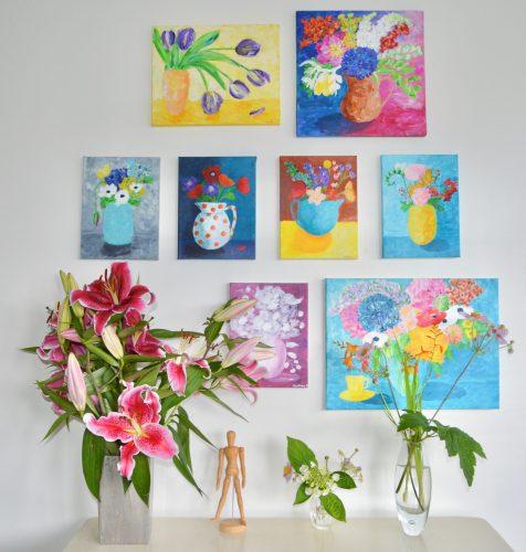 Wall art fyldt med blomstermalerier. Kunst til alle.